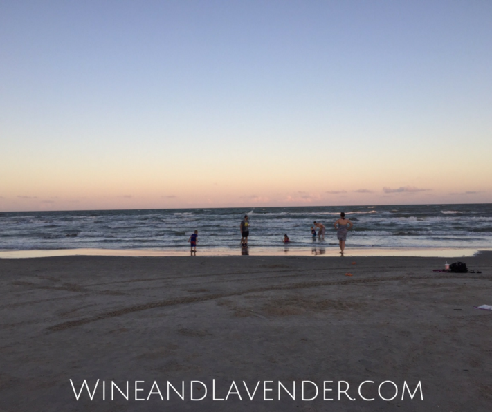 Here are tips on planning a cheap family vacation. Have a fun summer vacation with the family on any budget! Check it out.