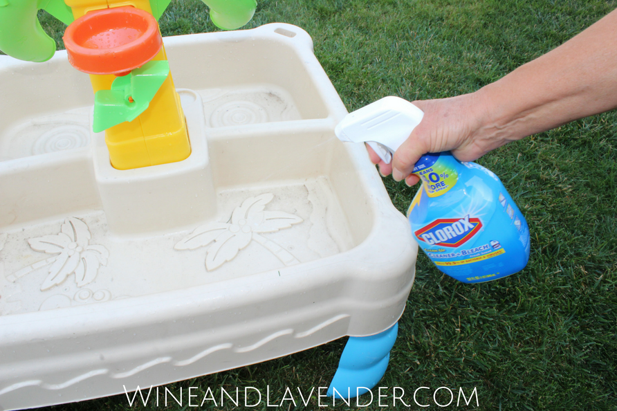 Ad: Enjoy your summer with the kids, but keep the messes away, too!! Check out how you can do this with @VivaTowels and @Clorox. #UnleashTheClean Squad!! Click here.